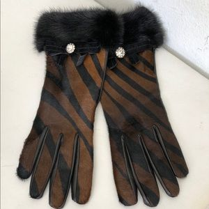Leather Gloves Brown/Black Gloves by Coach